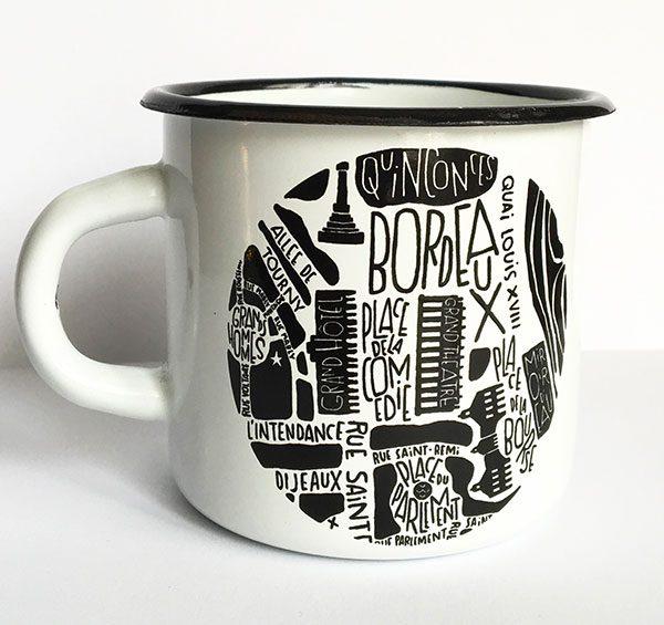 plan de ville de Bordeaux illustré sur un mug émaillé