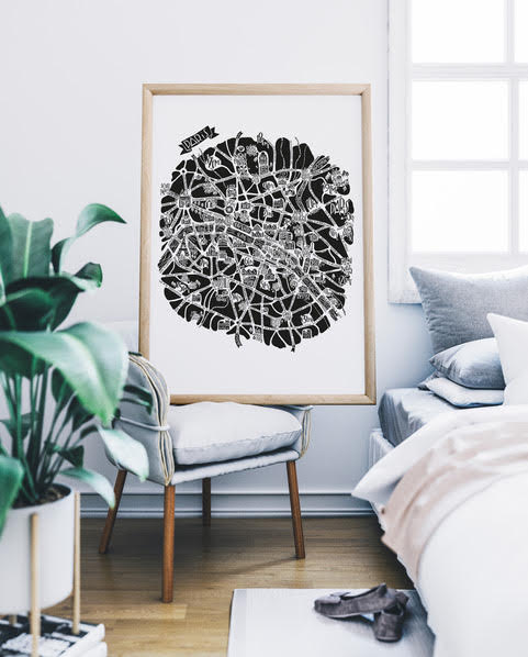 plan de ville de Paris illustré sur un grand poster